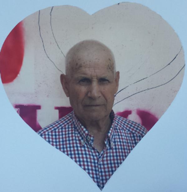 Vecino con corazón apoyando la campaña